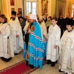 Блаженнейший Митрополит Иона совершил богослужение на московском подворье Православной Церкви в Америке