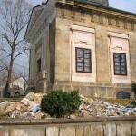 Работы по укреплению фундамента храма