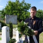 Панихида у захоронений советских солдат в Балатонфюреде