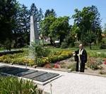 Панихиды у воинских захоронений в западной Венгрии