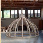 Строительство Хевизского храма. Изготовление деревянного каркаса для шлемовидного купола